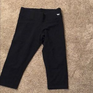 VS PINK cropped yoga capris